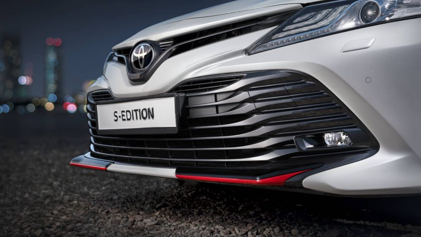 Toyota Camry S-Edition for Russia – revised exterior and interior trim, gains T-Mark anti-theft identifier Image #1077624
