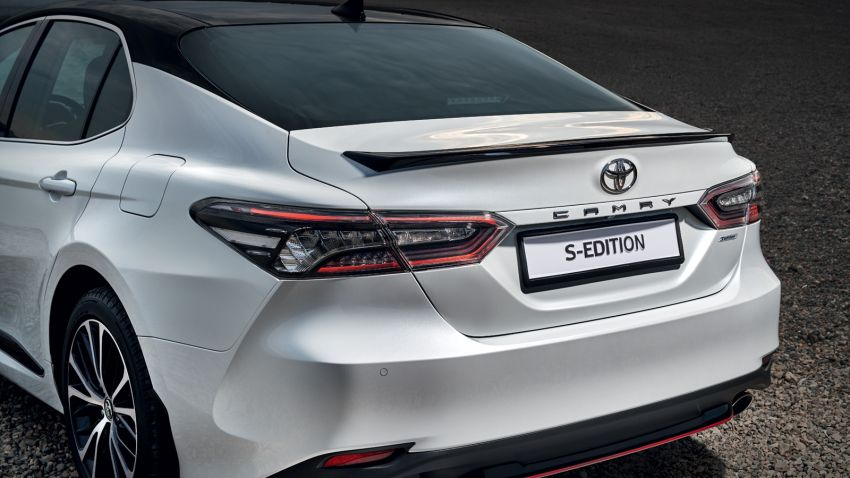 Toyota Camry S-Edition for Russia – revised exterior and interior trim, gains T-Mark anti-theft identifier Image #1077622