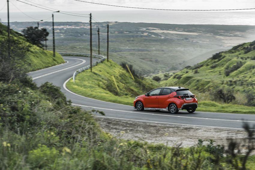 2020 Toyota Yaris Hybrid – 1.5L three-cylinder Dynamic Force engine, improved fuel efficiency and emissions Image #1079609