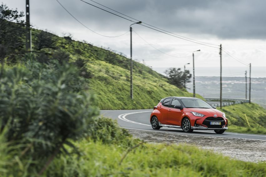 2020 Toyota Yaris Hybrid – 1.5L three-cylinder Dynamic Force engine, improved fuel efficiency and emissions Image #1079677