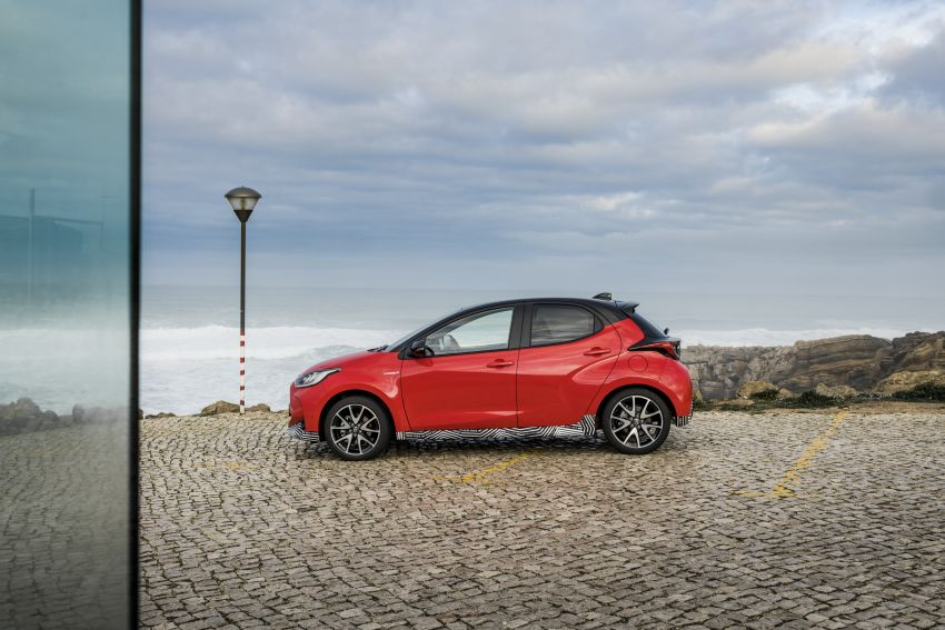 2020 Toyota Yaris Hybrid – 1.5L three-cylinder Dynamic Force engine, improved fuel efficiency and emissions Image #1079705