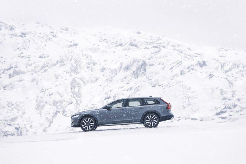 2020 Volvo S90, V90 facelift gets minor changes – mild hybrid variants now found across entire Volvo range Image #1085727