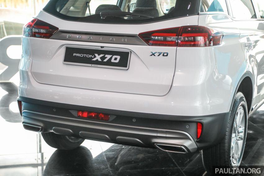 Proton X70 CKD dilancarkan secara rasmi – harga bermula RM95k, kotak gear DCT 7-kelajuan, 4 varian Image #1081030