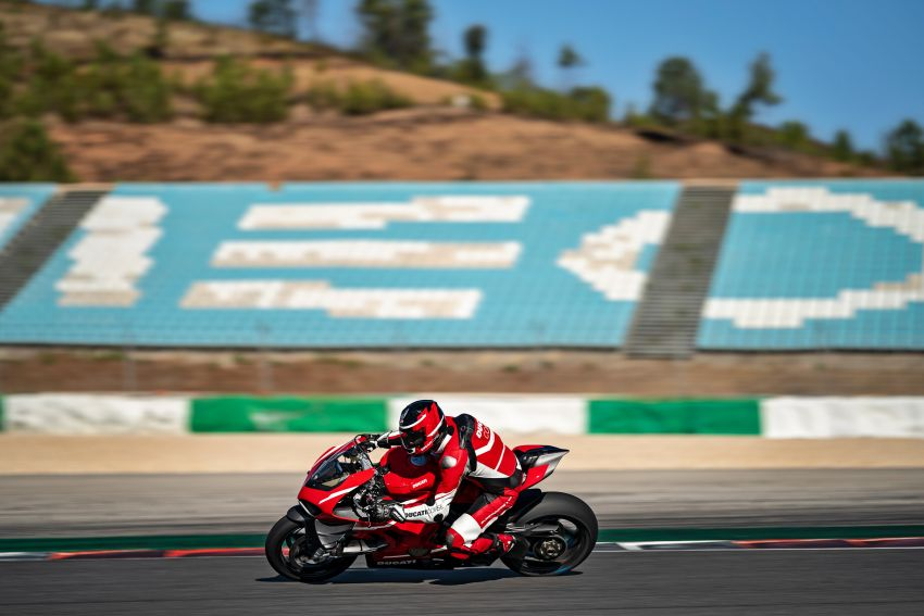 Ducati Panigale Superleggera V4 – superbike produksi paling berkuasa dan maju Ducati, casis gentian karbon Image #1078446