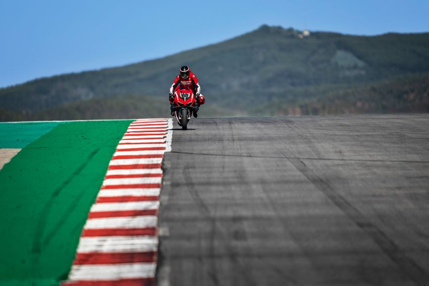 Ducati Panigale Superleggera V4 – superbike produksi paling berkuasa dan maju Ducati, casis gentian karbon Image #1078455
