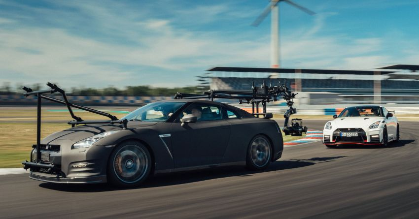 Nissan GT-R turns into ultimate high-speed camera car Image #1079846