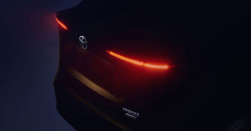 Toyota teases new B-segment SUV – debuts in Geneva Image #1083670