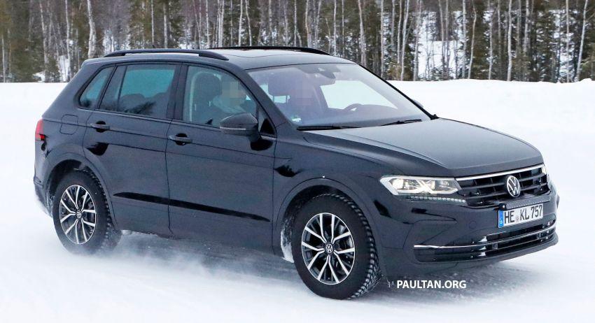 SPYSHOTS: Volkswagen Tiguan facelift seen on test Image #1081126