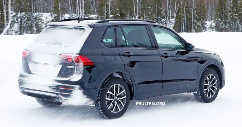 SPYSHOTS: Volkswagen Tiguan facelift seen on test Image #1081123