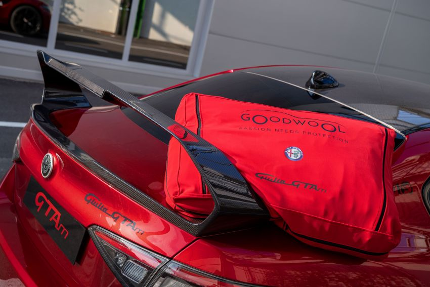 Alfa Romeo Giulia GTA debuts – steroidal Quadrifoglio gets 2.9L biturbo V6, 540 hp; limited to 500 units only! Image #1090166