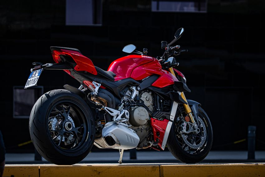 GALLERY: Ducati Streetfighter V4S super naked bike Image #1100142