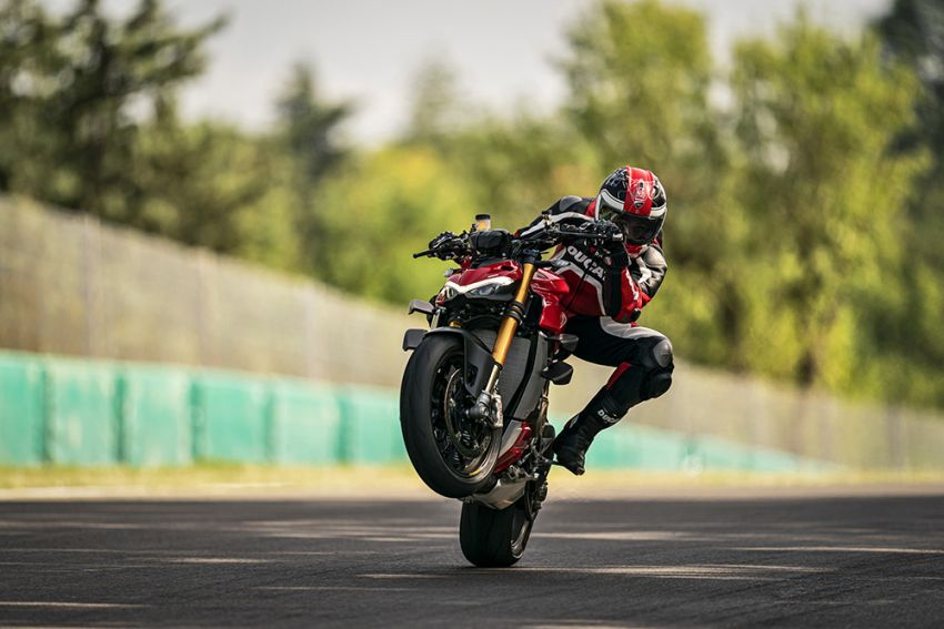 GALLERY: Ducati Streetfighter V4S super naked bike Image #1100351