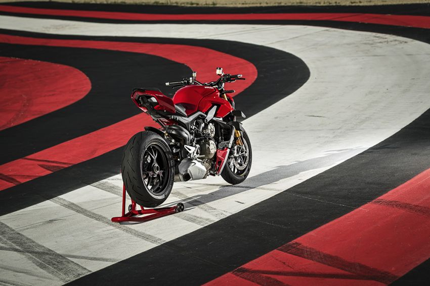 GALLERY: Ducati Streetfighter V4S super naked bike Image #1100359