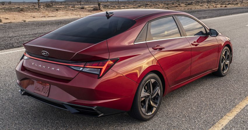 2021 Hyundai Elantra, Elantra Hybrid debut – four-door coupe style, dual-screen setup, 64-colour LED lights! Image #1096666
