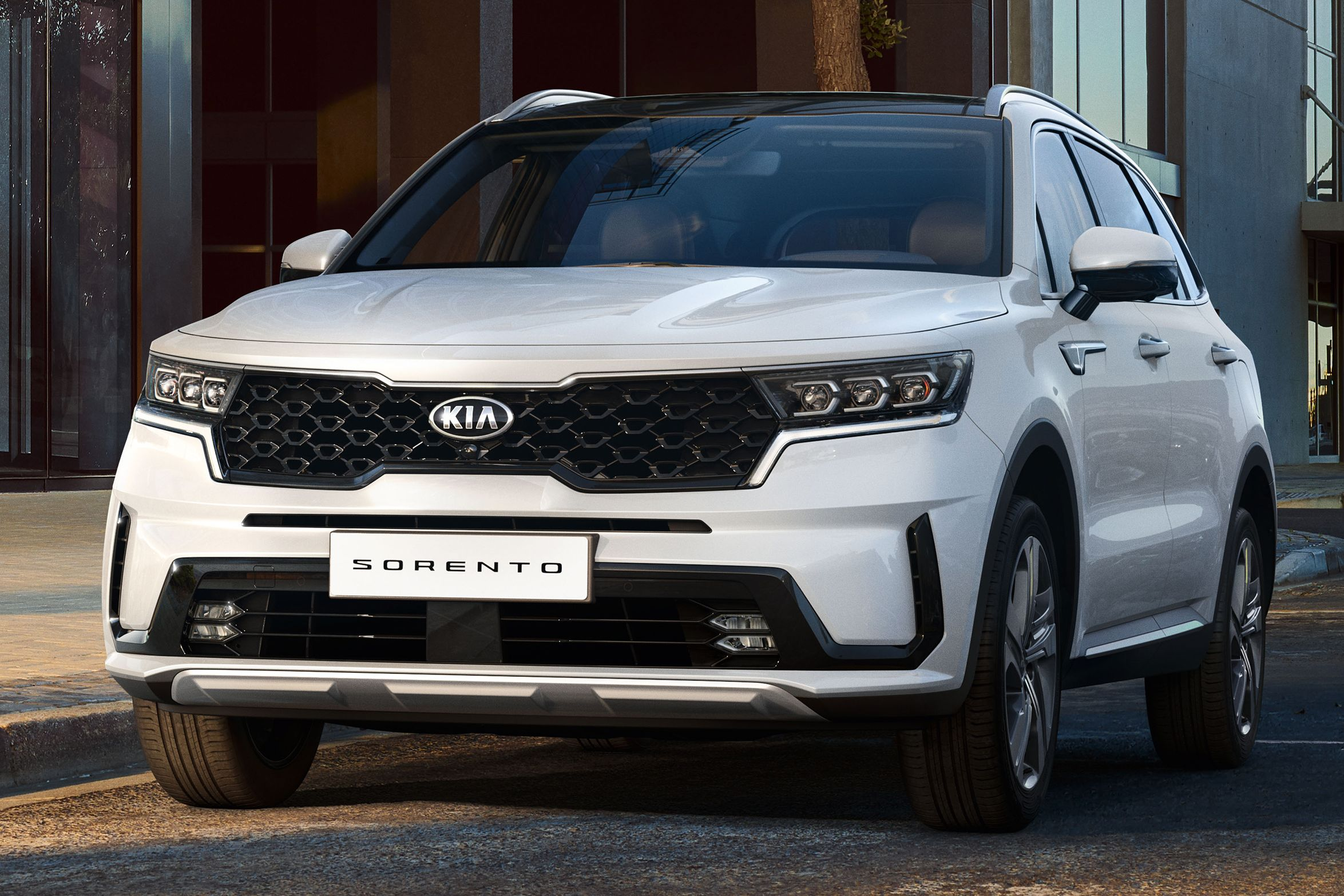 2021 Kia Sorento revealed in full - larger with more space ...