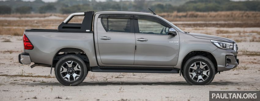Toyota Hilux 2.8L versus Mitsubishi Triton 2.4L – which one of the two pick-up trucks is more fuel efficient? Image #1097503
