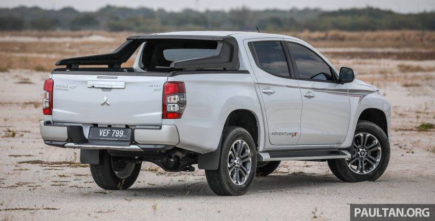 Toyota Hilux 2.8L versus Mitsubishi Triton 2.4L – which one of the two pick-up trucks is more fuel efficient? Image #1097523
