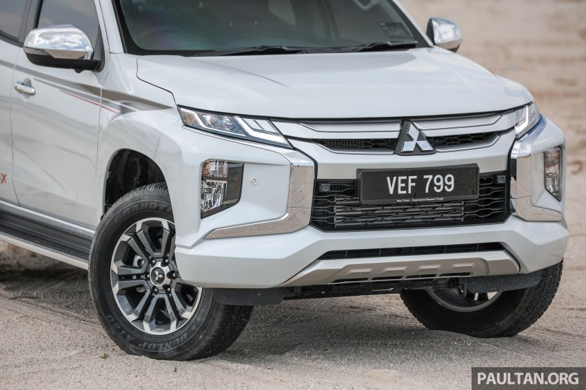 Toyota Hilux 2.8L versus Mitsubishi Triton 2.4L – which one of the two pick-up trucks is more fuel efficient? Image #1097527