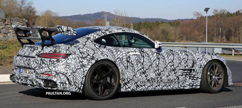 SPYSHOTS: Mercedes-AMG GT Black Series – more aggressive aero, 700 hp/750 Nm; flat-crank engine? Image #1099404