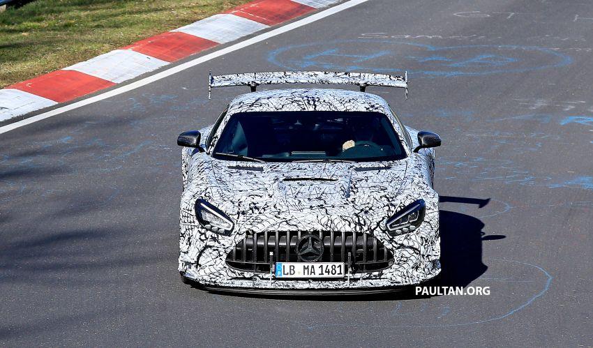 SPYSHOTS: Mercedes-AMG GT Black Series – more aggressive aero, 700 hp/750 Nm; flat-crank engine? Image #1099400