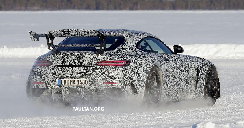SPYSHOTS: Mercedes-AMG GT Black Series – more aggressive aero, 700 hp/750 Nm; flat-crank engine? Image #1099381