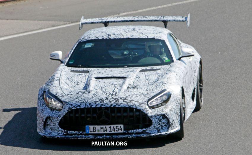 SPYSHOTS: Mercedes-AMG GT Black Series – more aggressive aero, 700 hp/750 Nm; flat-crank engine? Image #1099380