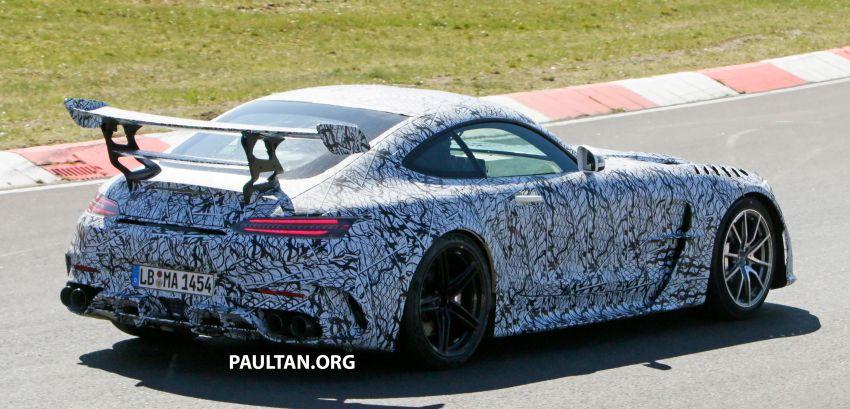 SPYSHOTS: Mercedes-AMG GT Black Series – more aggressive aero, 700 hp/750 Nm; flat-crank engine? Image #1099371