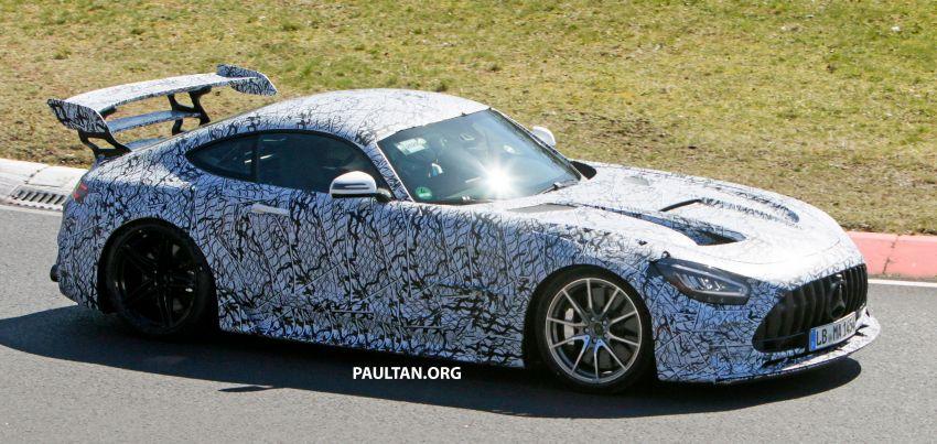 SPYSHOTS: Mercedes-AMG GT Black Series – more aggressive aero, 700 hp/750 Nm; flat-crank engine? Image #1099376
