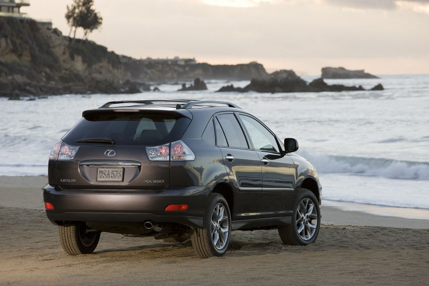 GALLERY: Four generations of the Toyota Harrier SUV Image #1106674