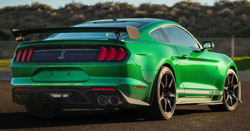 Ford Mustang – top-selling sports car for the fifth year Image #1109208