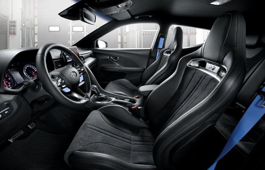 Hyundai Veloster N 2020 – tampil dengan pilihan kotak gear DCT lapan-kelajuan baharu yang lebih pantas Image #1109470