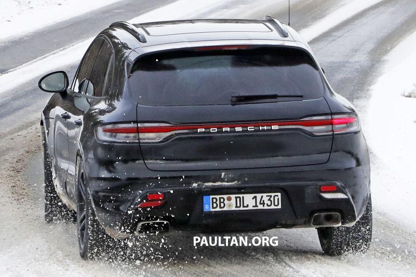 SPYSHOTS: 2022 Porsche Macan petrol – first images Image #1104177