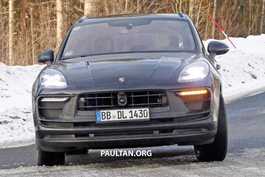 SPYSHOTS: 2022 Porsche Macan petrol – first images Image #1104178