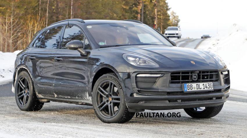 SPYSHOTS: 2022 Porsche Macan petrol – first images Image #1104180
