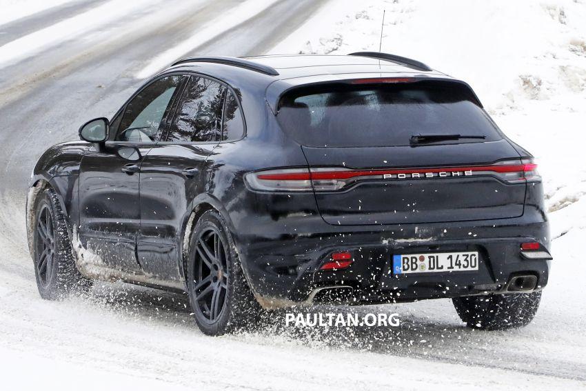 SPYSHOTS: 2022 Porsche Macan petrol – first images Image #1104175