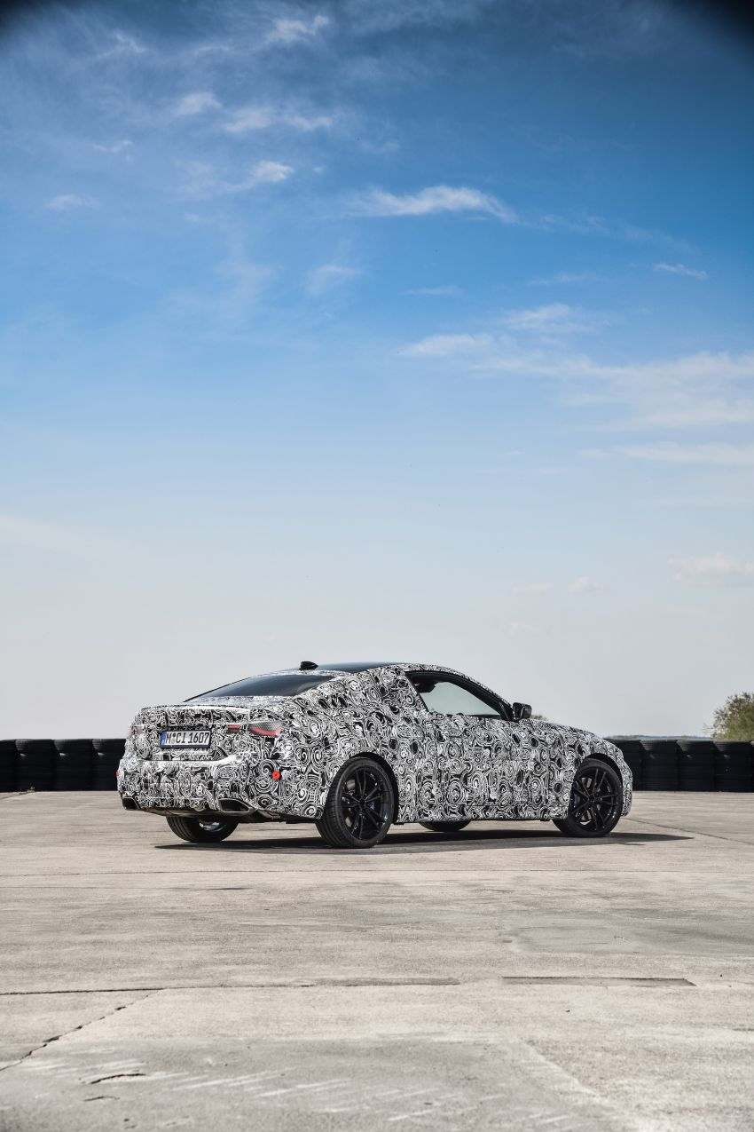 G22 BMW 4 Series Coupe officially teased – M440i xDrive to lead the range with 374 PS, mild hybrid tech Image #1112716
