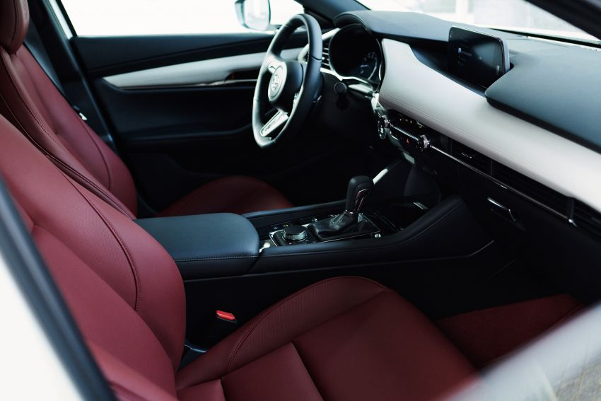 Mazda launches 100th anniversary celebratory models Image #1102743