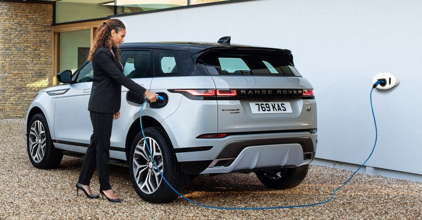 Land Rover Discovery Sport and Range Rover Evoque gain P300e PHEV variants – as low as 1.4 l/100 km Image #1110145