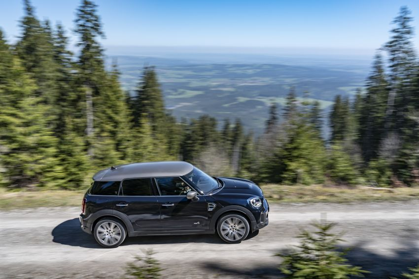 2020 F60 MINI Countryman facelift – cleaner engines, more standard kit, new displays, black exterior trim Image #1121999