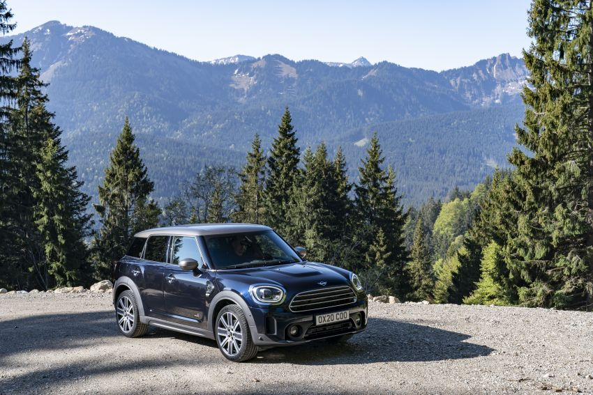 2020 F60 MINI Countryman facelift – cleaner engines, more standard kit, new displays, black exterior trim Image #1122007