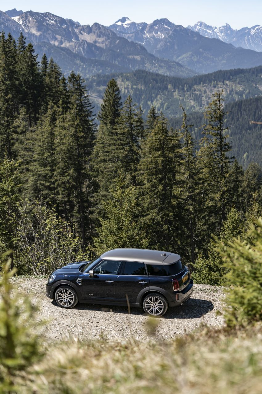 2020 F60 MINI Countryman facelift – cleaner engines, more standard kit, new displays, black exterior trim Image #1122014