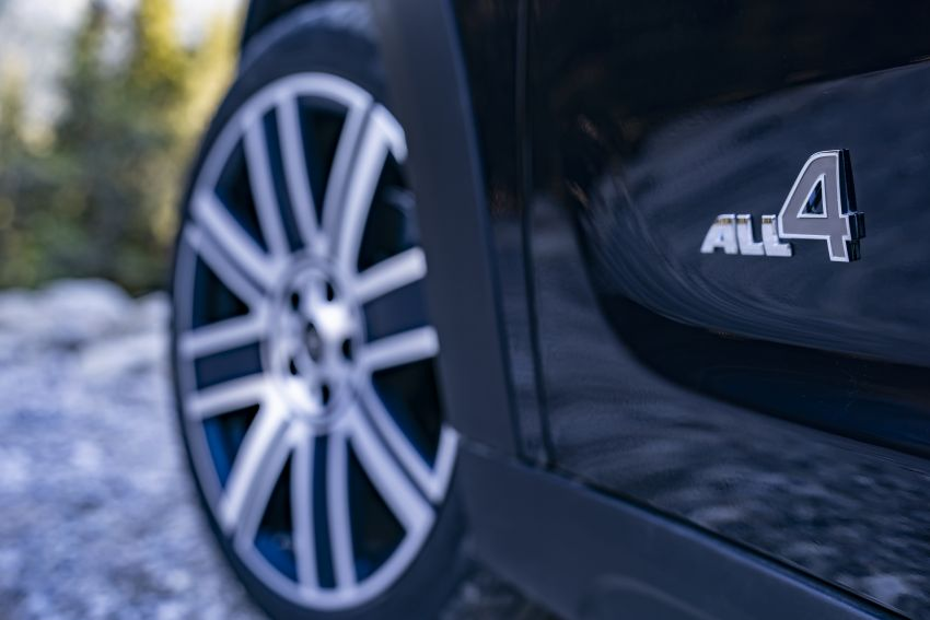 2020 F60 MINI Countryman facelift – cleaner engines, more standard kit, new displays, black exterior trim Image #1122023
