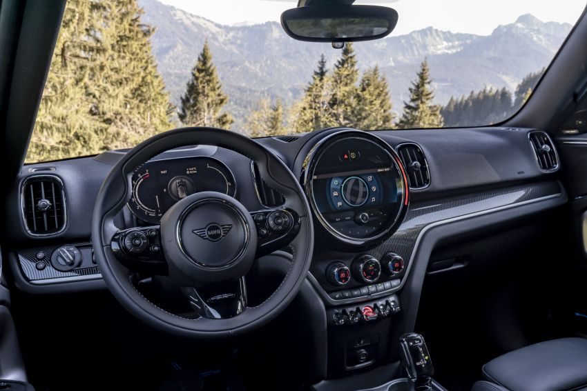 2020 F60 MINI Countryman facelift – cleaner engines, more standard kit, new displays, black exterior trim Image #1122031