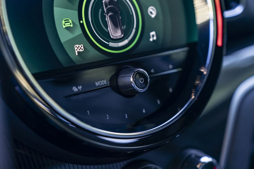2020 F60 MINI Countryman facelift – cleaner engines, more standard kit, new displays, black exterior trim Image #1122036