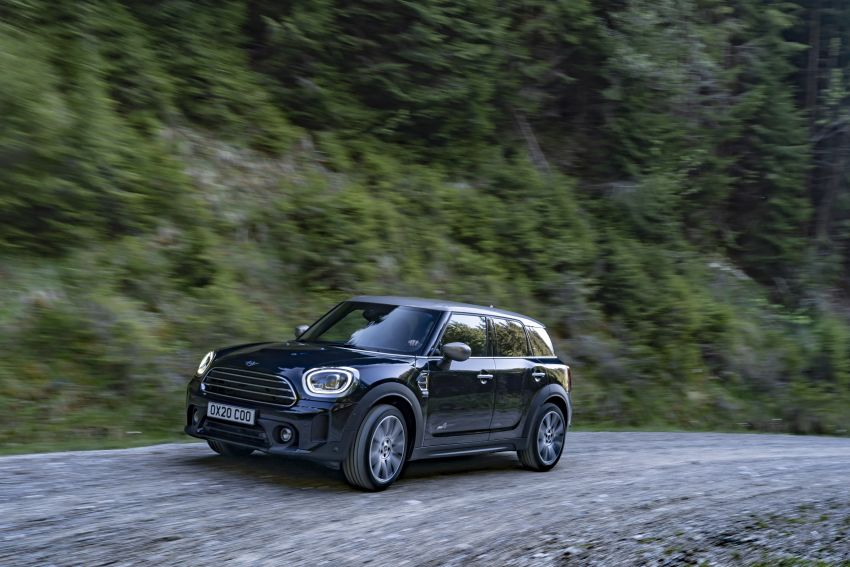 2020 F60 MINI Countryman facelift – cleaner engines, more standard kit, new displays, black exterior trim Image #1121990