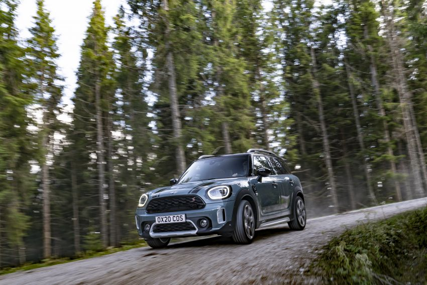 2020 F60 MINI Countryman facelift – cleaner engines, more standard kit, new displays, black exterior trim Image #1122053