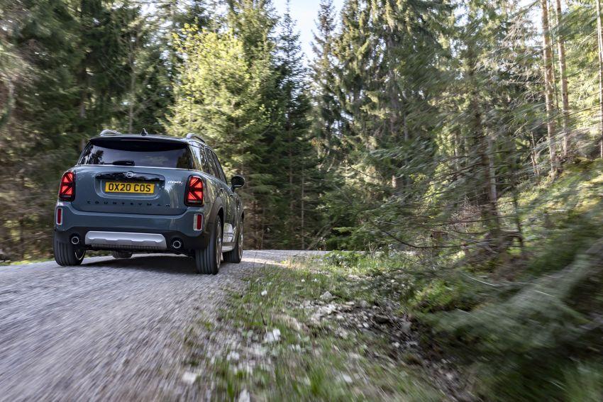 2020 F60 MINI Countryman facelift – cleaner engines, more standard kit, new displays, black exterior trim Image #1122059