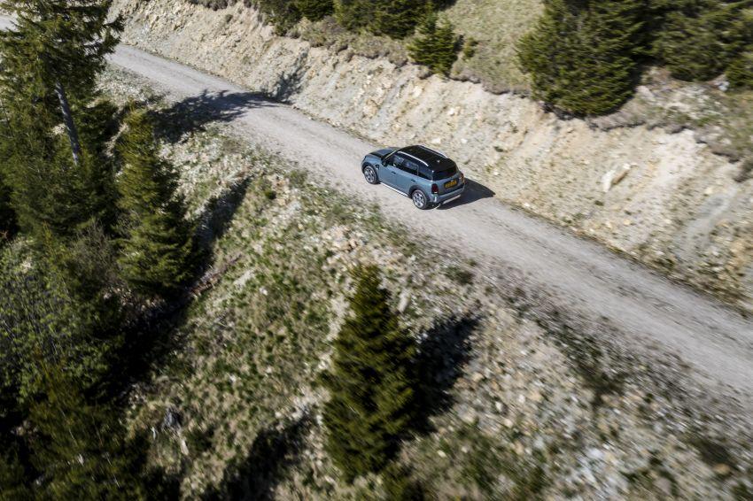2020 F60 MINI Countryman facelift – cleaner engines, more standard kit, new displays, black exterior trim Image #1122066