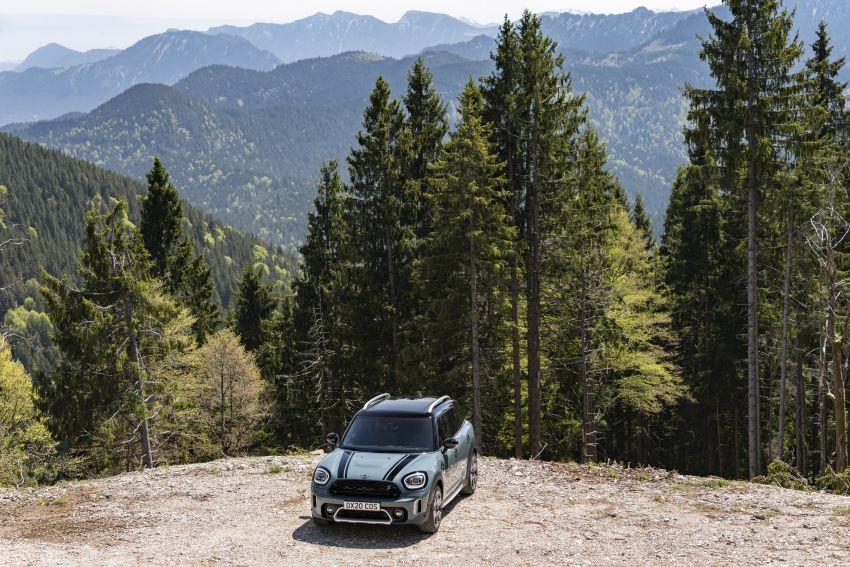 2020 F60 MINI Countryman facelift – cleaner engines, more standard kit, new displays, black exterior trim Image #1122070