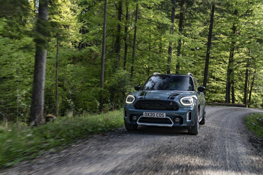 2020 F60 MINI Countryman facelift – cleaner engines, more standard kit, new displays, black exterior trim Image #1122043